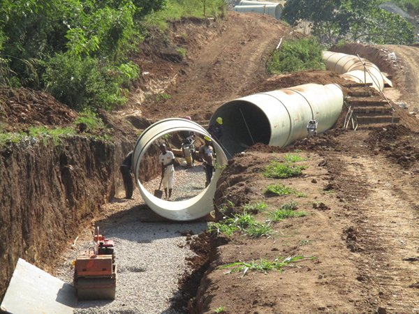 DN2200mm and below GRP Pipe laying of GRP-Rwimi-Uganda-2